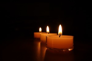 candles-488583_1920